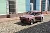 <p>Takie samochody też jeżdżą w Trinidad</p>